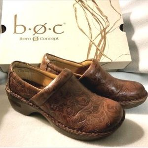 B.o.c. Peggy brown clog shoes